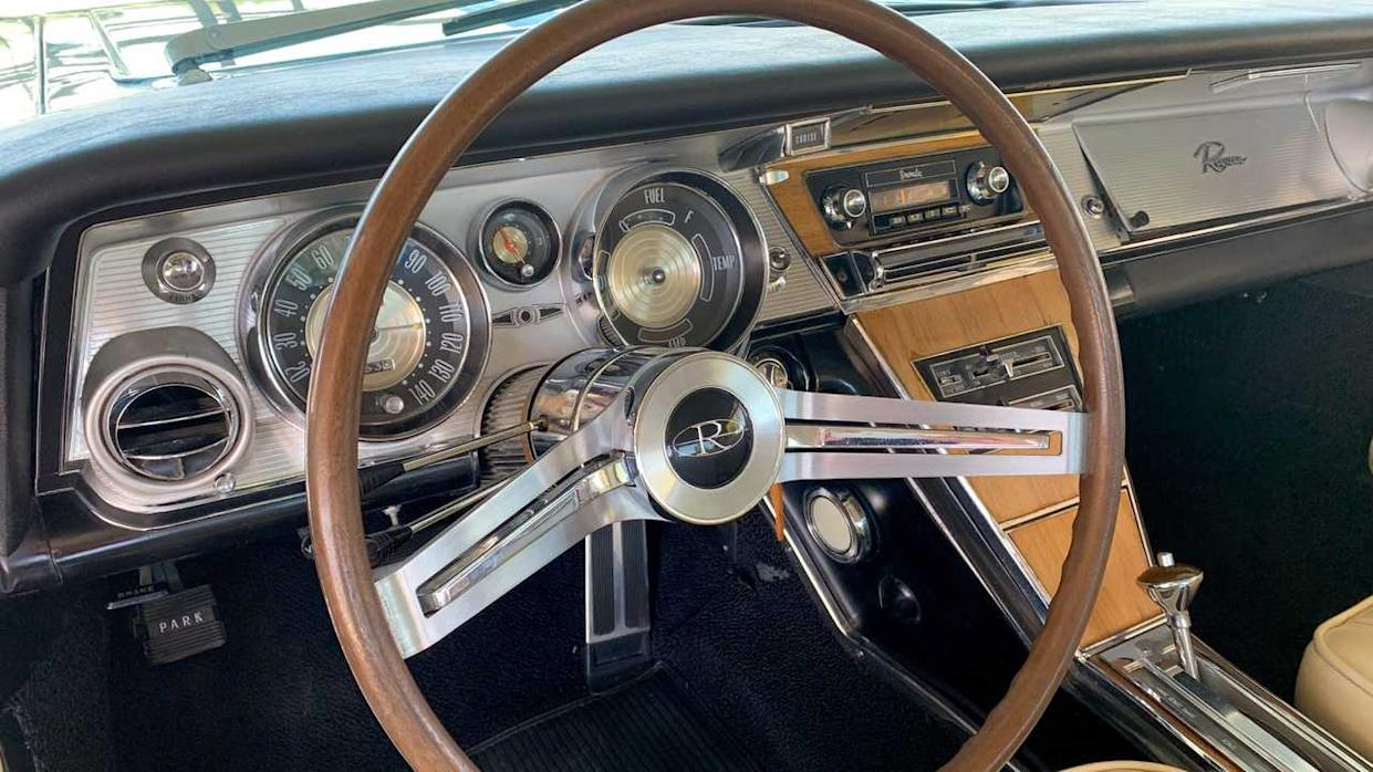 Baby Blue Buick: 1964 Buick Riviera