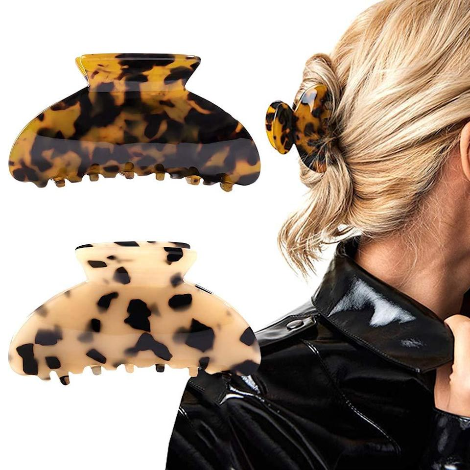 """<h3>Banana Hair Clip Set </h3><br>These most wanted hair accessories may only be $1 off, but they're still a top steal that our readers cannot stop carting this season. As one rave reviewer gushes, """"I love these clips! They are a very thick and sturdy material and have more than enough spacing between the clamps to hold a large amount of hair. The pattern is so simple yet adds a little bit of something to your look. Would totally recommend!""""<br><br><strong>4.4 out of 5 stars and 827 reviews</strong><br><br><strong>Aileam</strong> Tortoise Banana Hair Clip Set, $, available at <a href=""""https://amzn.to/3nOwtcE"""" rel=""""nofollow noopener"""" target=""""_blank"""" data-ylk=""""slk:Amazon"""" class=""""link rapid-noclick-resp"""">Amazon</a>"""