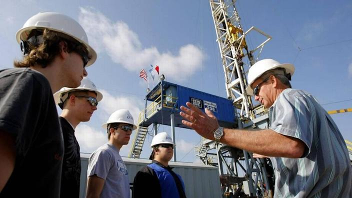 Joshua High School students visit a Johnson County, Texas, drilling site owned by Devon Energy in 2009.