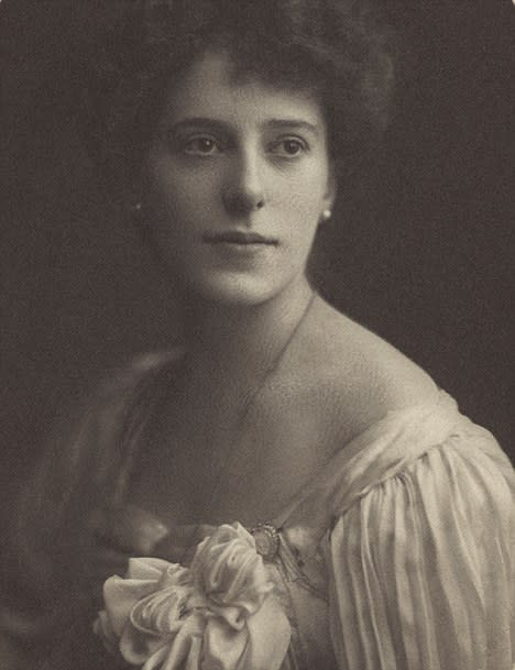 <p>In a world where the media is still dominated by men, Rachel Beer's achievement is no feat. Dubbed the First Lady of Fleet Street, she was the first female editor of a newspaper, landing the role at <i>The Sunday Times</i> in the 1890s. She was famed for writing a weekly column entitled 'The World's Work' in which she expressed her views on anything and everything. She later took over the running of <i>The Observer</i> after the editor and her husband Frederick became ill. <i>[Photo: Bantam Books]</i> </p>