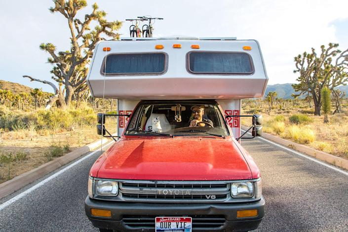 <p>Vladimir co-piloting in Joshua Tree National Park in southern California. (Photo: Our Vie / Caters News) </p>