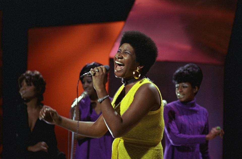 UNITED KINGDOM - JANUARY 01:  TOP OF THE POPS  Photo of Aretha FRANKLIN  (Photo by Ron Howard/Redferns)