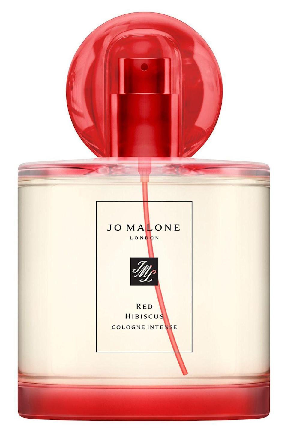"<p><strong>Jo Malone London</strong></p><p>sephora.com</p><p><strong>$198.00</strong></p><p><a href=""https://go.redirectingat.com?id=74968X1596630&url=https%3A%2F%2Fwww.sephora.com%2Fproduct%2Fjo-malone-london-red-hibiscus-cologne-intense-P469860&sref=https%3A%2F%2Fwww.cosmopolitan.com%2Fstyle-beauty%2Ffashion%2Fg20108306%2Fbest-last-minute-mothers-day-gifts%2F"" rel=""nofollow noopener"" target=""_blank"" data-ylk=""slk:Shop Now"" class=""link rapid-noclick-resp"">Shop Now</a></p><p>A fun, floral scent with notes of mandarin, red hibiscus, and vanilla that's not too heavy will become her new favorite fragrance she can add to her vanity. Shop this bottle online, then head to your local Sephora to pick it up when it's ready. Easy!<br></p>"