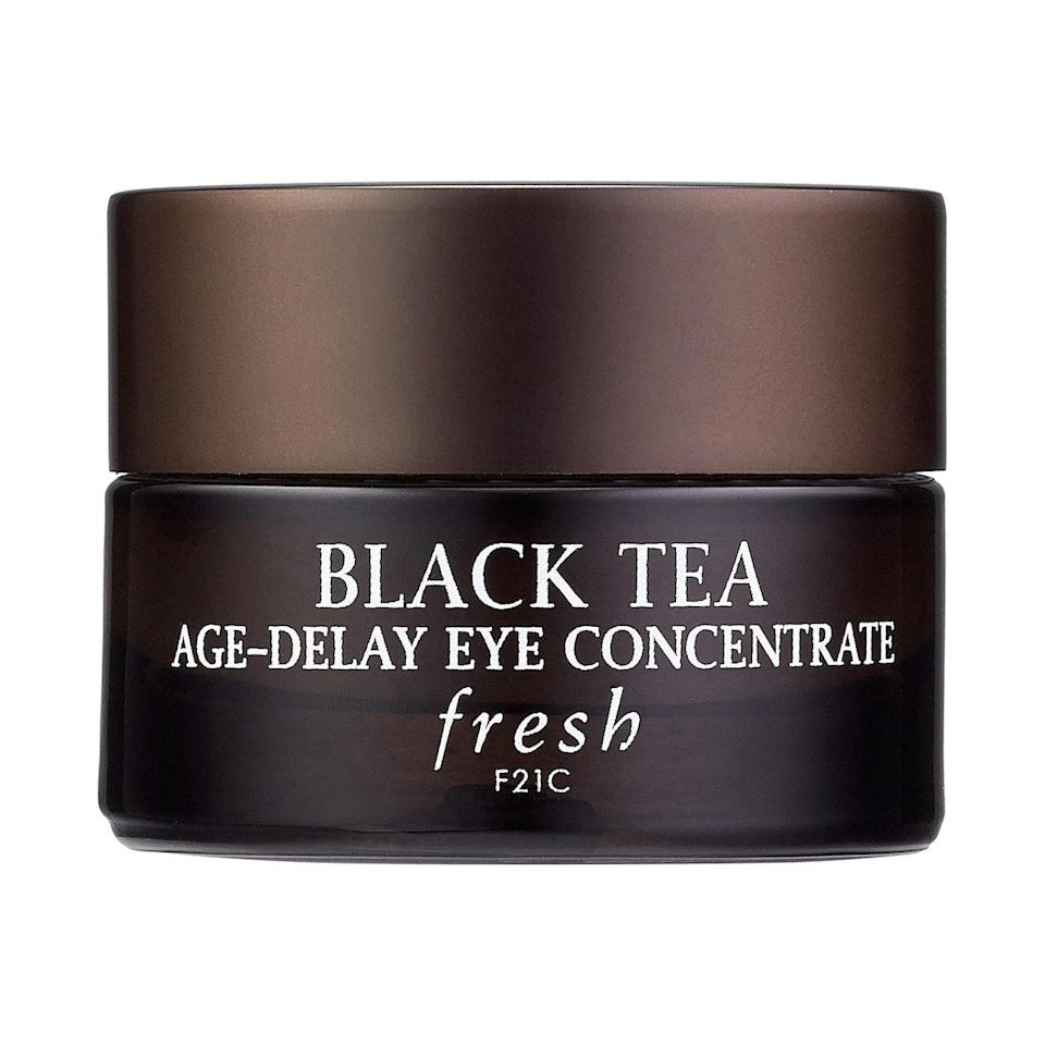 Think of the black tea at the heart of Fresh Black Tea Age-Delay Eye Concentrate as invisible goggles for your eye area. The ingredient is rich in antioxidants that protect skin from damaging free radicals and helps improve elasticity so that skin is soft and smooth.