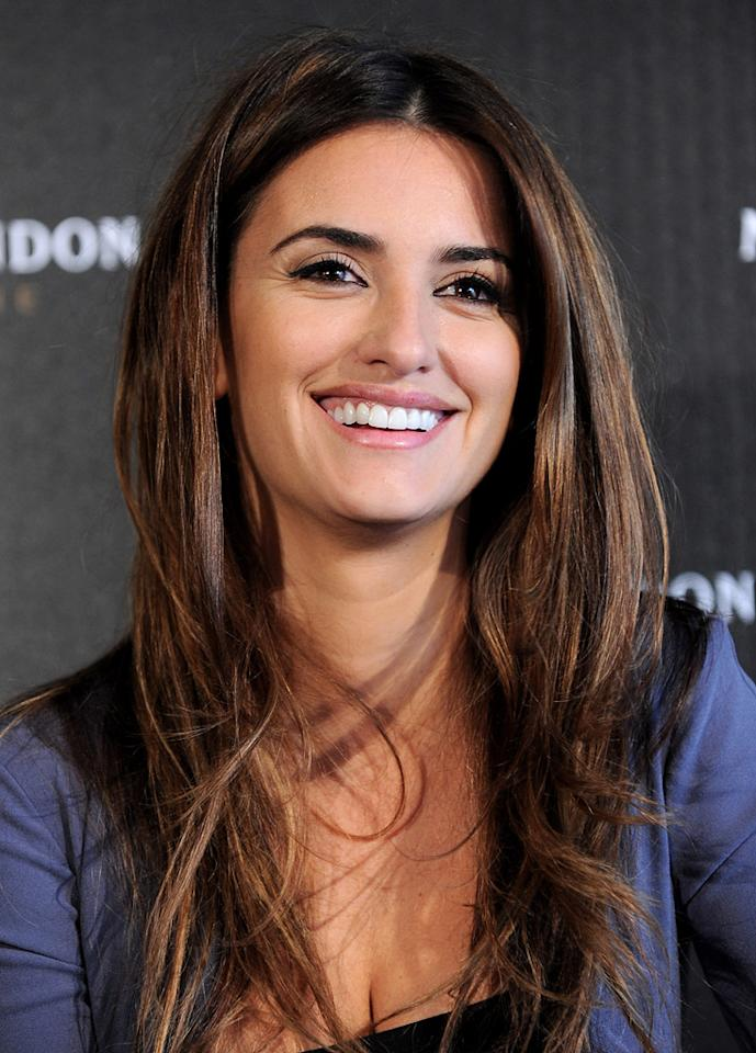 "<a href=""http://movies.yahoo.com/movie/contributor/1800019548"">Penelope Cruz</a> attends a press conference for her Best Supporting Actress Oscar Nomination on March 6, 2010 in Los Angeles, California."