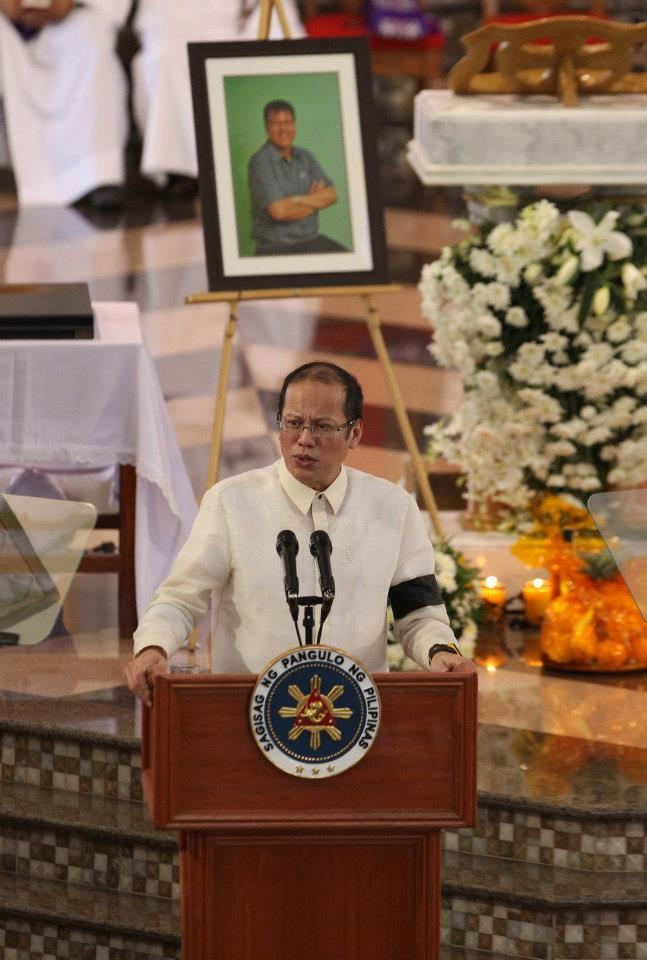 President Benigno S. Aquino III delivers his eulogy after conferring the Philippine Legion of Honor with the Rank of Chief Commander (posthumous) to the late Interior and Local Government Secretary Jesse Robredo after the Concelebrated Requiem Mass during the State Funeral at the Basilica Minore de Nuestra Señora de Peñafrancia in Naga City on Tuesday (August 28). The Philippine Legion of Honor is considered the highest award the President can bestow without the need for approval of Congress. Secretary Robredo is being conferred the Philippine Legion of Honor for life achievement as DILG Secretary and Naga City Mayor. August 28, 2012, is the 8th and final day of National Mourning for the late Secretary Robredo by virtue of Proclamation No. 460, s. 2012. (Photo by Ryan Lim, Malacañang Photo Bureau)