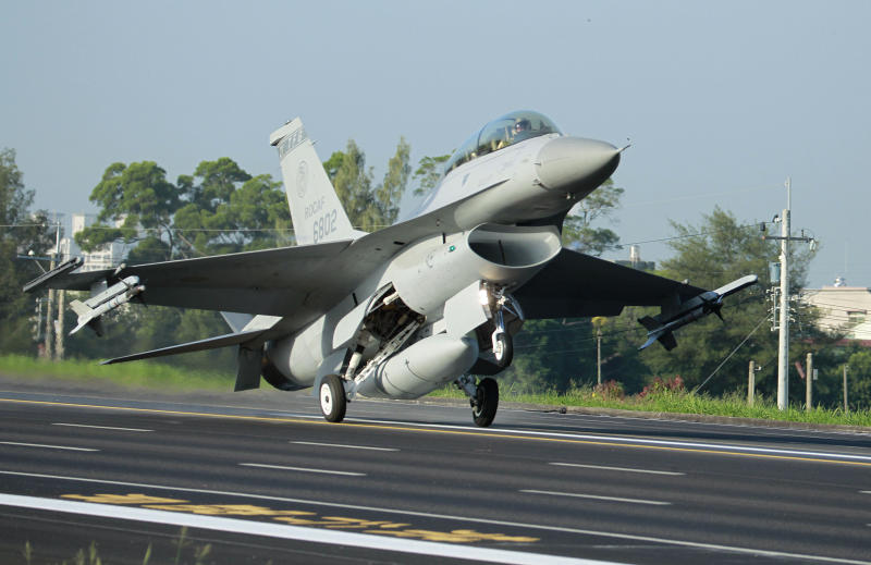 Taiwan US Warplanes
