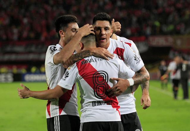 Soccer Football - Copa Libertadores - Colombia's Santa Fe v Argentina's River Plate - Nemesio Camacho El Campin stadium, Bogota, Colombia - May 3, 2018. Players of River Plate celebrate their team's first goal. REUTERS/Jaime Saldarriaga