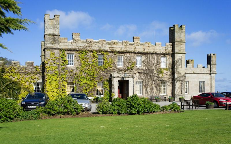 The Tregenna Castle Hotel, where fighting broke out during a dinner dance held by West Cornwall Golf Club - www.alamy.com