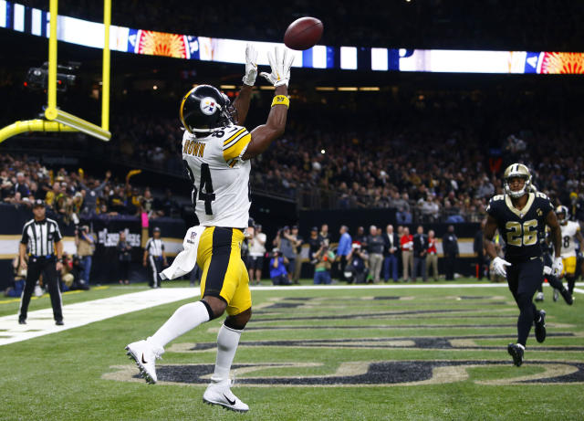 Pittsburgh Steelers wide receiver Antonio Brown (84) pulls in touchdown reception in front of New Orleans Saints cornerback P.J. Williams (26) in the second half of an NFL football game in New Orleans, Sunday, Dec. 23, 2018. (AP Photo/Butch Dill)
