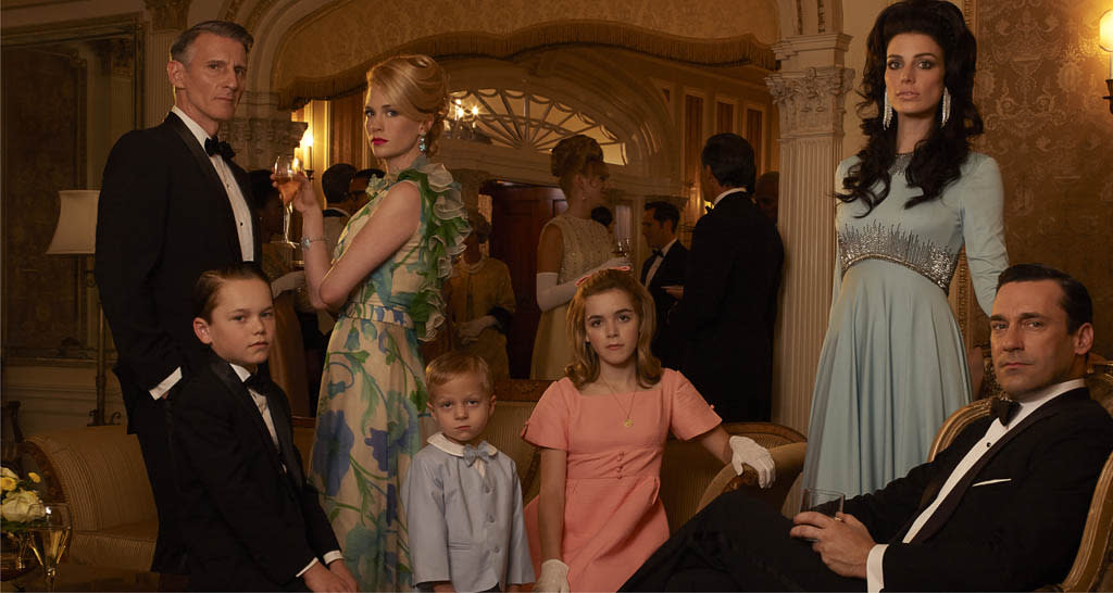 Henry Francis (Christopher Stanley), Bobby Draper (Mason Vale Cotton), Betty Francis (January Jones), Gene Draper (Evan and Ryder Londo), Sally Draper (Kiernan Shipka), Megan Draper (Jessica Pare) and Don Draper (Jon Hamm) - Mad Men - Season 6