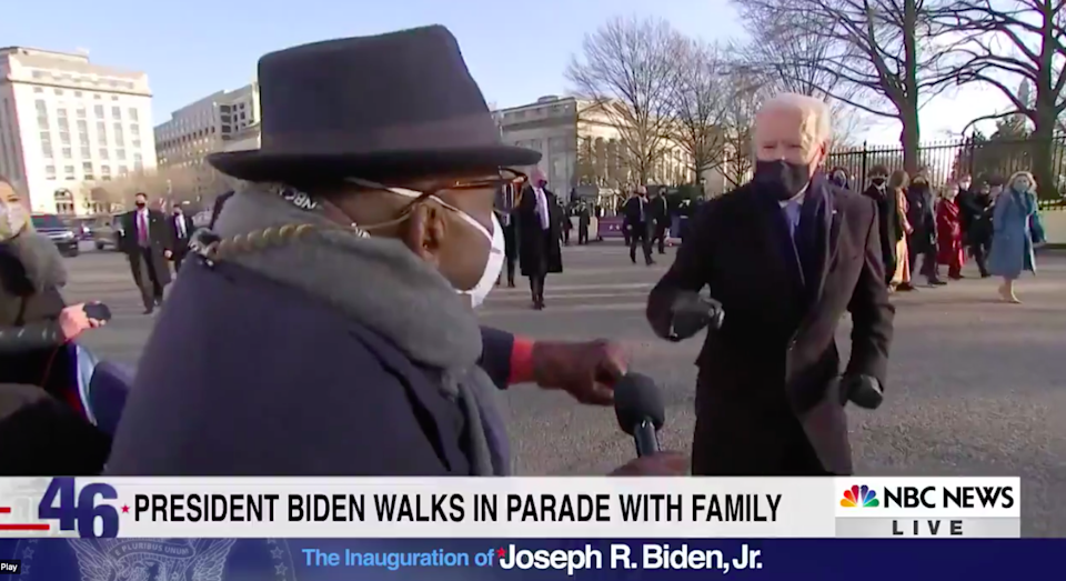 <p>Joe Biden fist-bumps Al Roker during inaugural parade</p> (TODAY Show / NBC)