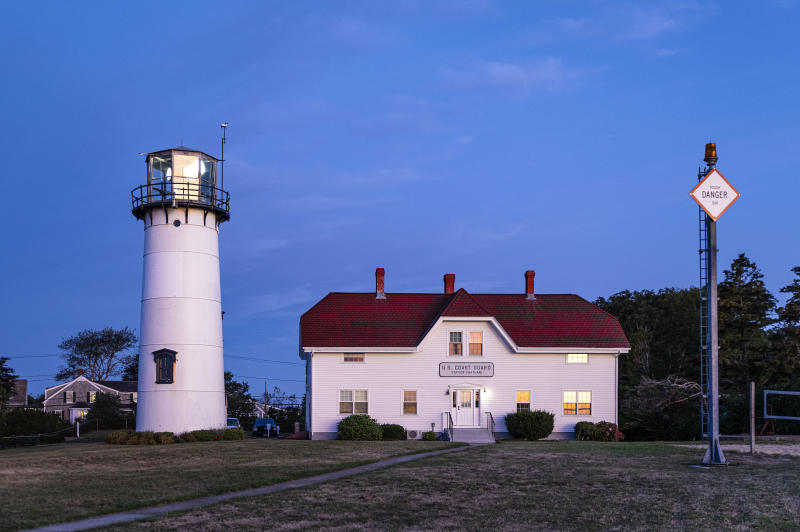 CAPE COD, CHATHAM, MASSACHUSETTS, UNITED STATES - 2019/09/05: Chatham Lighthouse and Coast Guard station, Cape Cod. (Photo by John Greim/LightRocket via Getty Images)