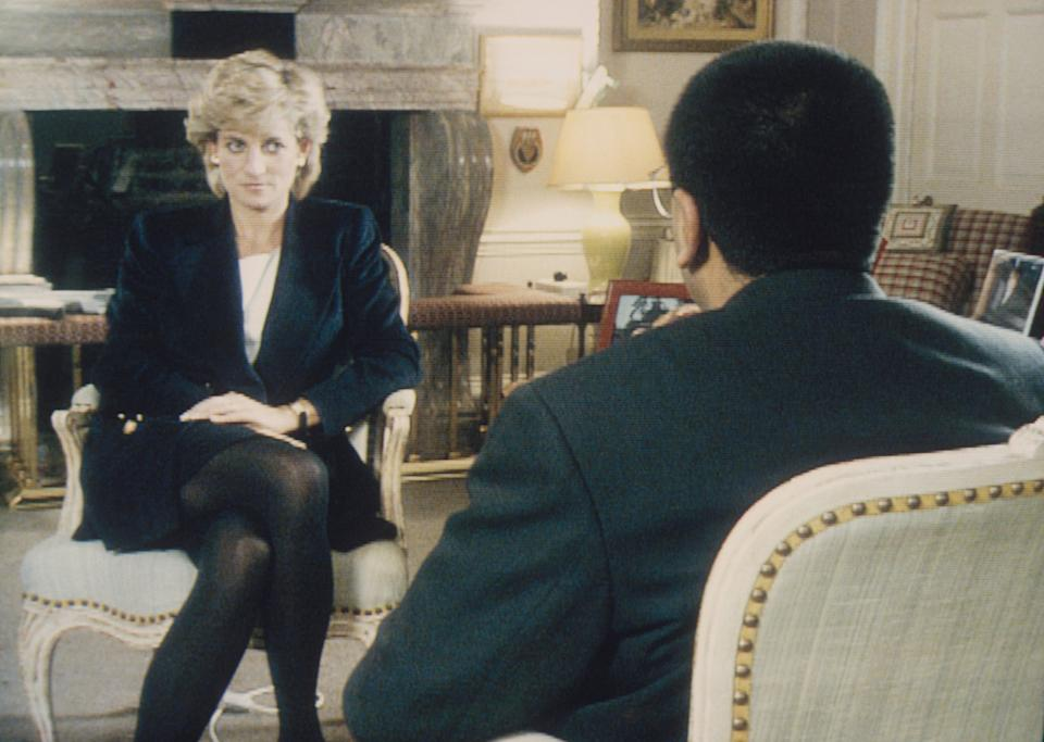 """Martin Bashir interviewed Princess Diana in Kensington Palace for the television program """"Panorama"""" in 1995. (Photo by © Pool Photograph/Corbis/Corbis via Getty Images) (Photo: Tim Graham via Getty Images)"""