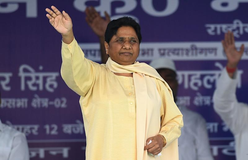 Bahujan Samaj Party (BSP) president Mayawati waves to the crowd during a rally in New Delhi on May 10, 2019. (Photo by Prakash SINGH / AFP) (Photo credit should read PRAKASH SINGH/AFP/Getty Images)