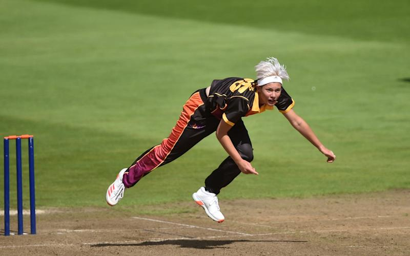 Issy Wong of Central Sparks runs into bowl during the Rachael Heyhoe-Flint Trophy match between Central Sparks and Northern Diamonds - Getty Images