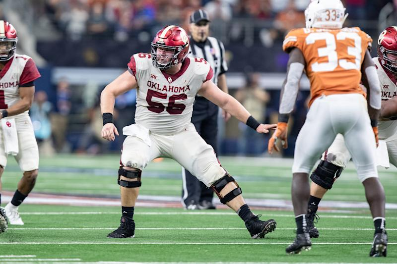 ARLINGTON, TX - DECEMBER 01: Oklahoma Sooners center Creed Humphrey (#56) drops back to block during the Big 12 Championship game between the Oklahoma Sooners and the Texas Longhorns on December 1, 2018 at AT&T Stadium in Arlington, Texas. (Photo by Matthew Visinsky/Icon Sportswire via Getty Images)