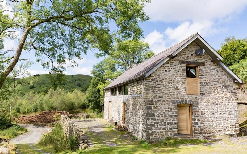 Red Kite barn, Wales