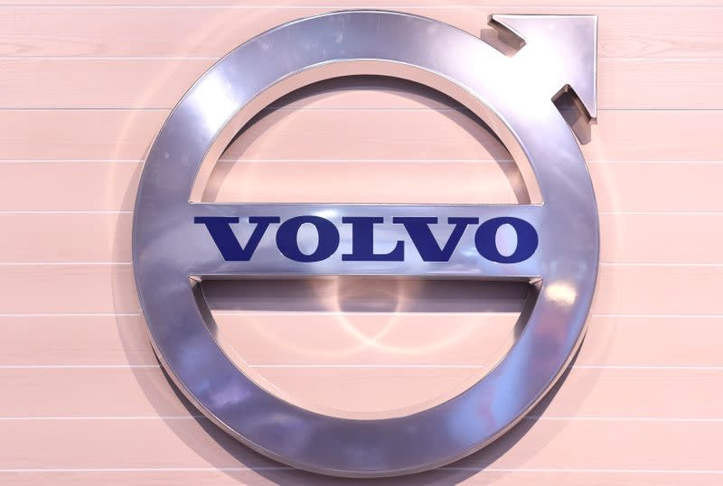 Volvo beats first quarter forecasts but warns of truck order cancellations