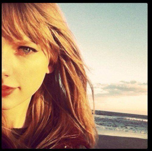 """We love following @taylorswift13 for fun updates, cute observations and <a href=""""https://twitter.com/i/#!/taylorswift13/media/slideshow?url=pic.twitter.com%2F7hUB4eSL"""">adorable photos of her cat</a>."""