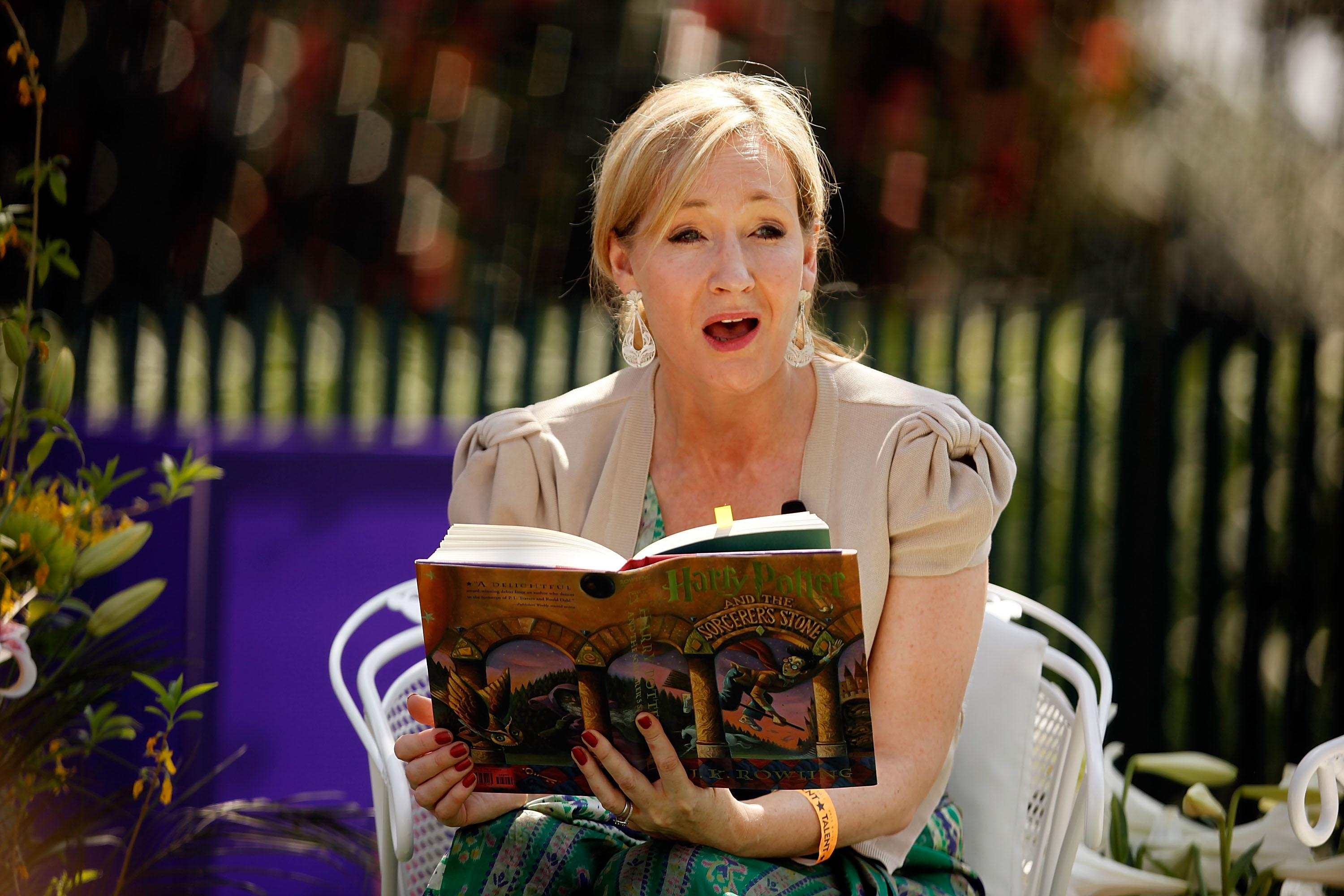 "J.K. Rowling reading ""Harry Potter and the Sorcerer's Stone"" at the White House Easter Egg Roll in 2010 (Photo: Getty Images)."
