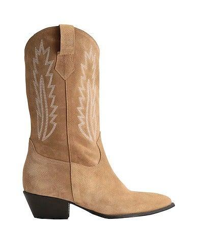 """<br><br><strong>8 by Yoox</strong> Split Leather Western Boot, $, available at <a href=""""https://www.yoox.com/uk/17015495KC/item#cod10=17015495KC&dept=women&sizeId=-1&sts=sr_women80"""" rel=""""nofollow noopener"""" target=""""_blank"""" data-ylk=""""slk:Yoox"""" class=""""link rapid-noclick-resp"""">Yoox</a>"""