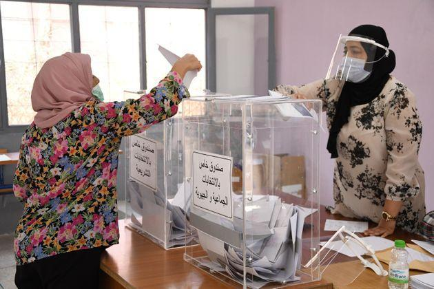 A woman casts a vote at a polling station in Rabat, Morocco, Sept. 8, 2021. Morocco kicked off its lower house and local elections on Wednesday as some 17.5 million eligible voters are going to the polls across the country. (Photo by Chadi/Xinhua via Getty Images) (Photo: Xinhua News Agency via Getty Images)
