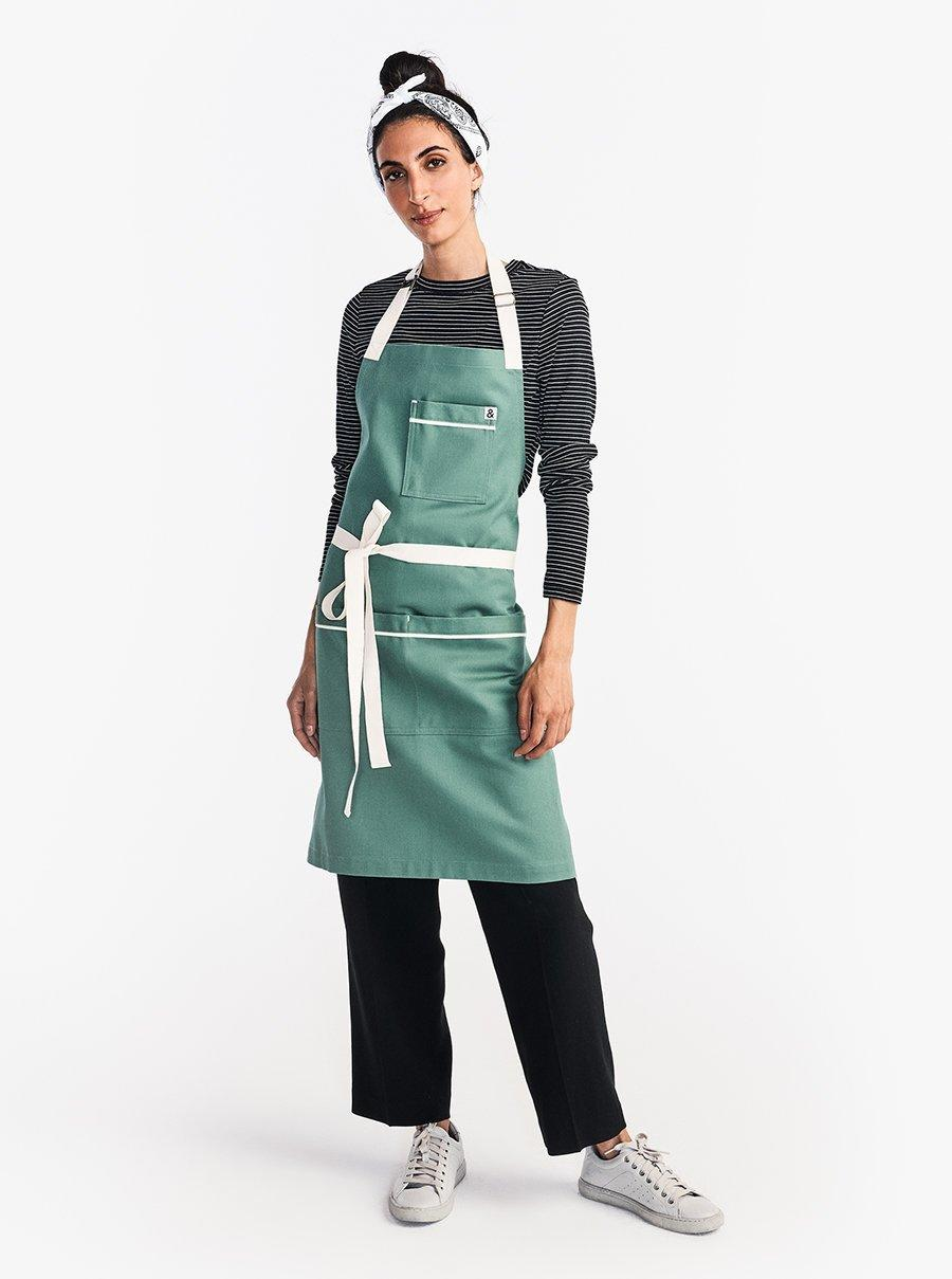 The Carryall Apron. Image via Hedley & Bennett.