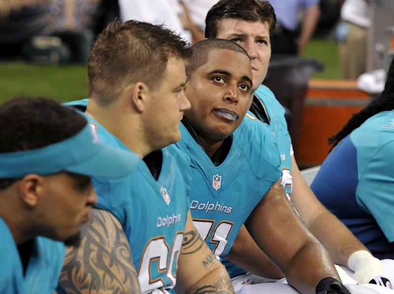 AP source: Incognito files grievance vs Dolphins