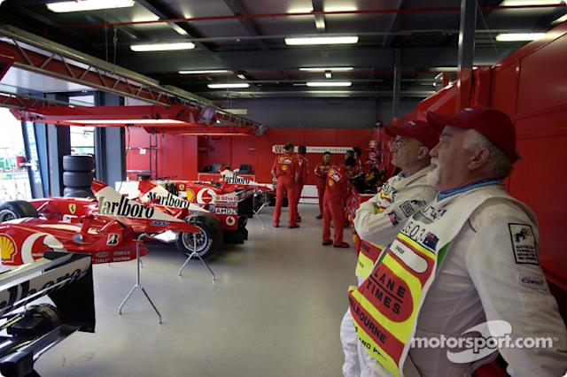 "Área de garage de Ferrari <span class=""copyright"">Ferrari Media Center</span>"