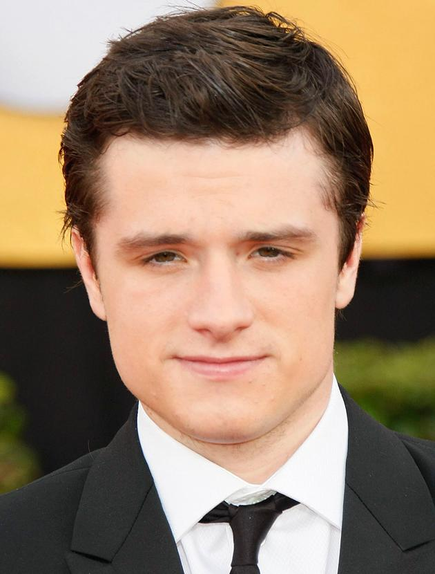 Josh Hutcherson photos: Looking magic in monochrome there Joshy boy.