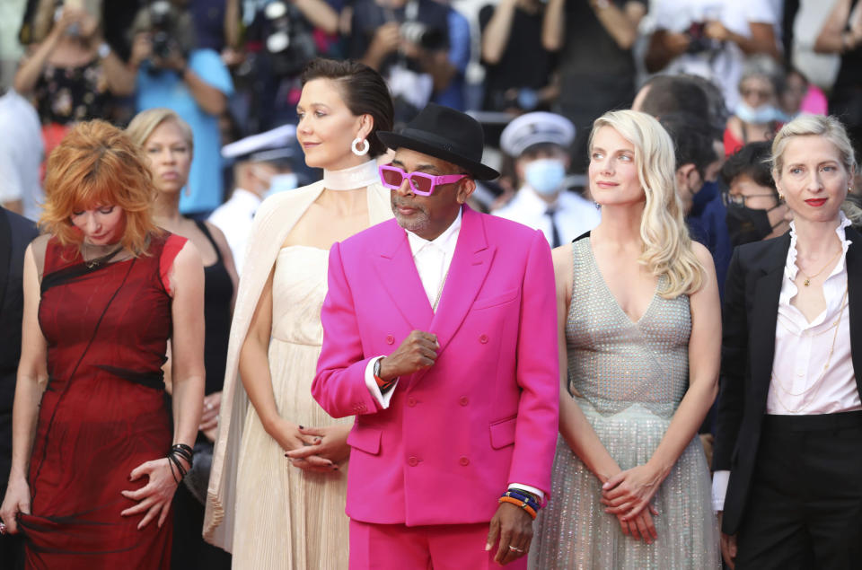 Jury president Spike Lee, center, poses with jury members Mylene Farmer, from left, Maggie Gyllenhaal, Melanie Laurent, and Jessica Hausner at the premiere of the film 'Annette' and the opening ceremony of the 74th international film festival, Cannes, southern France, Tuesday, July 6, 2021. (Photo by Vianney Le Caer/Invision/AP)