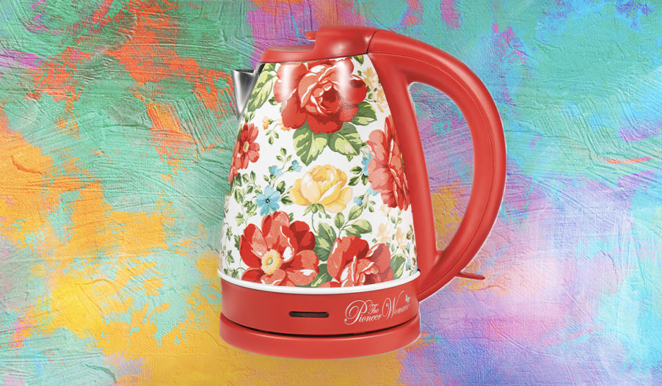 The most beautiful kettle, ever. (Photo: Walmart)