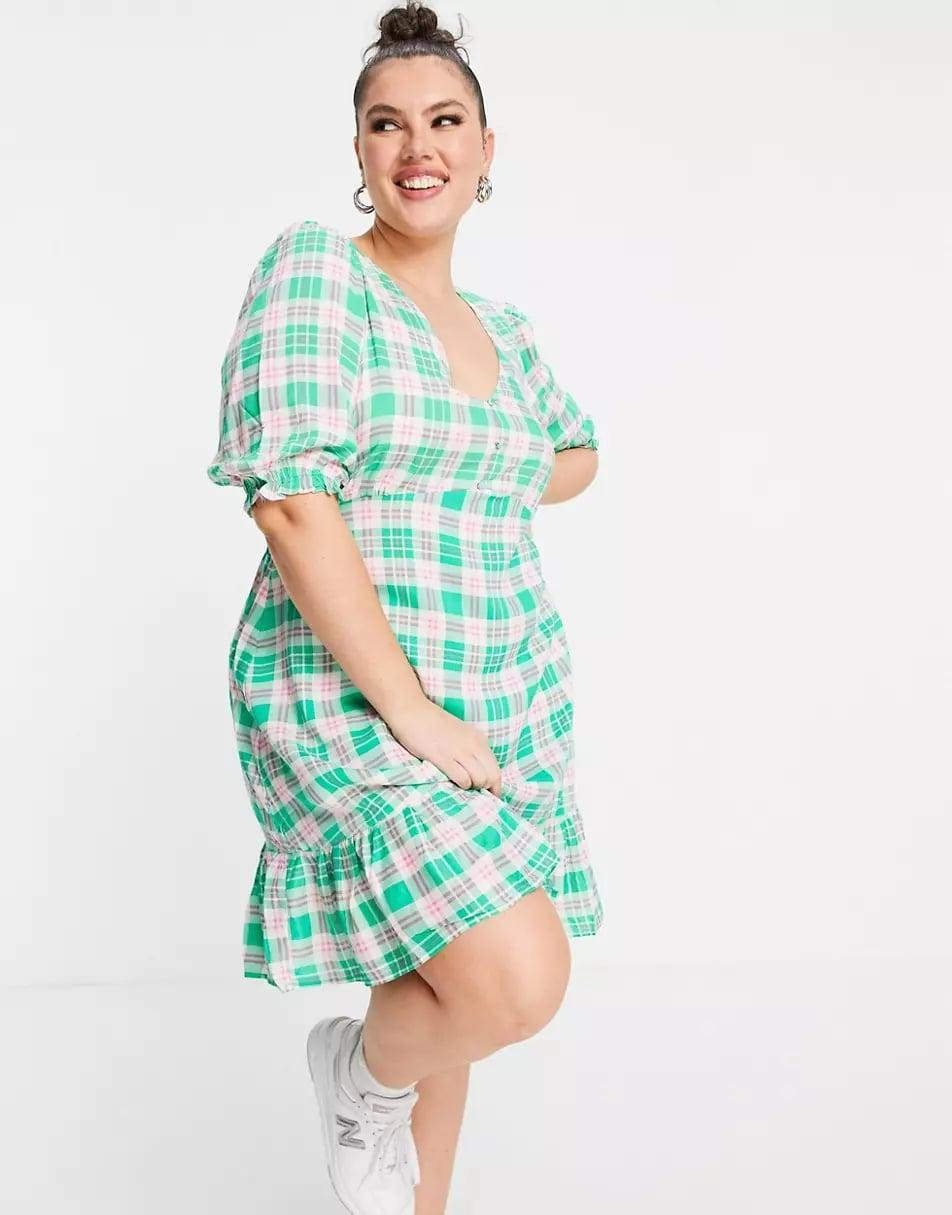 <p><span>New Look Curve V-Neck Button 3/4 Sleeve Tiered Midi in Green Check</span> ($34)</p>