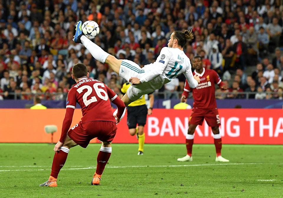 Gareth Bale scores Real Madrid's second goal in the Champions League final with an insane bicycle kick. (Getty)