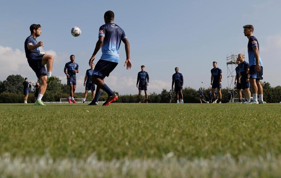 Joe Jacobson prepares to take a touch during training.