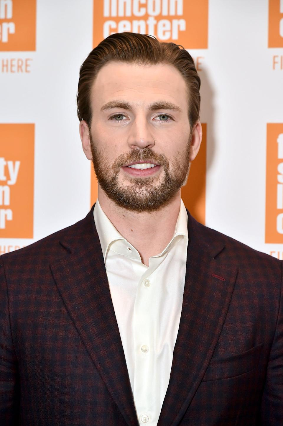 """<p>Minka and Chris first struck up a romance in 2007 and <a href=""""https://www.popsugar.com/celebrity/Who-Has-Chris-Evans-Dated-41091222"""" class=""""link rapid-noclick-resp"""" rel=""""nofollow noopener"""" target=""""_blank"""" data-ylk=""""slk:suffered a series of breakups and makeups"""">suffered a series of breakups and makeups</a> for the next seven years. The last time they were rumored to be back together was in September 2015, after being spotted together over Labor Day Weekend.</p>"""
