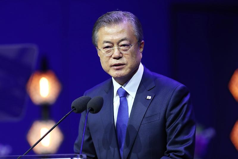 """South Korea's President Moon Jae-in said it was """"desirable"""" for US President Donald Trump and North Korean leader Kim Jong Un to meet soon"""