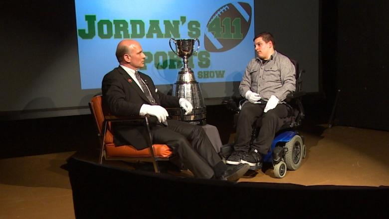 Grey Cup comes to Winnipeg high school for student's YouTube sports show