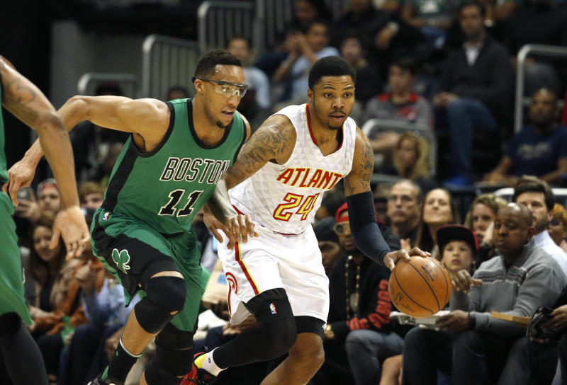 Trail Blazers acquire Kent Bazemore, send Evan Turner to Hawks