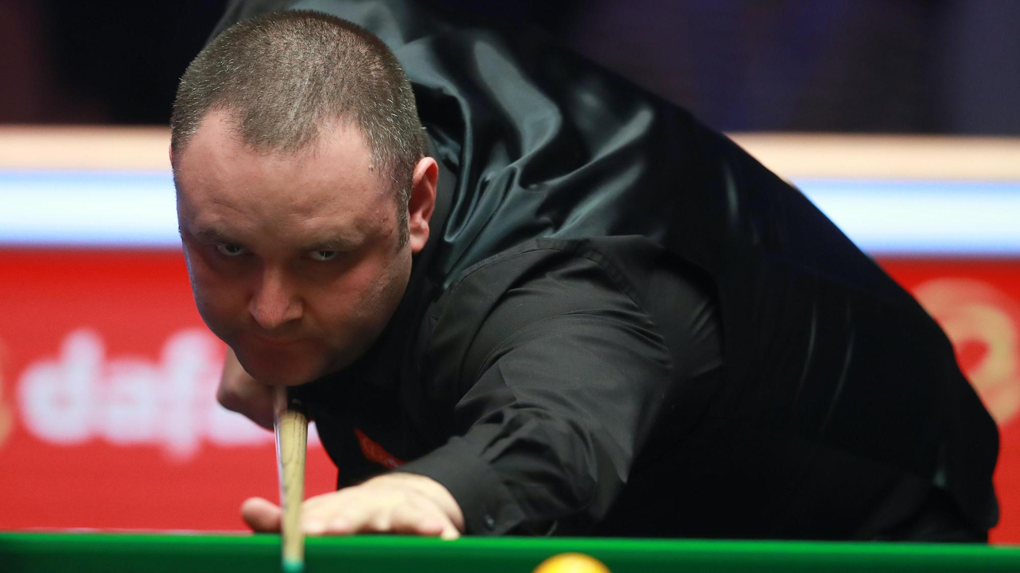 Stephen Maguire progresses as UK Championship briefly delayed due to Covid tests