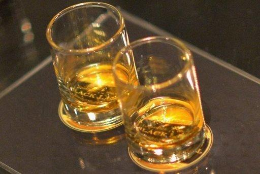 Diageo targets Indian drinkers with $2.0-bn deal