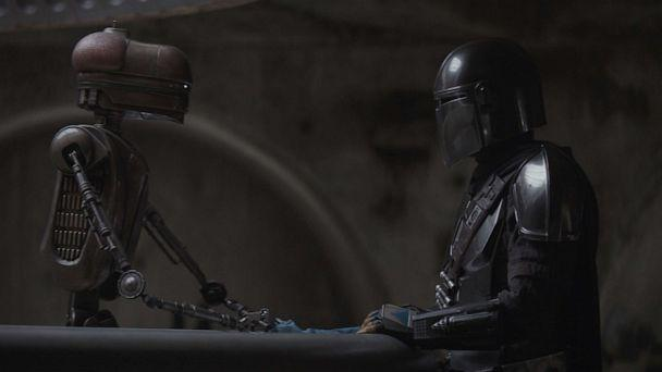 PHOTO: Pedro Pascal is The Mandalorian in THE MANDALORIAN, exclusively on Disney+ (The Walt Disney Company)