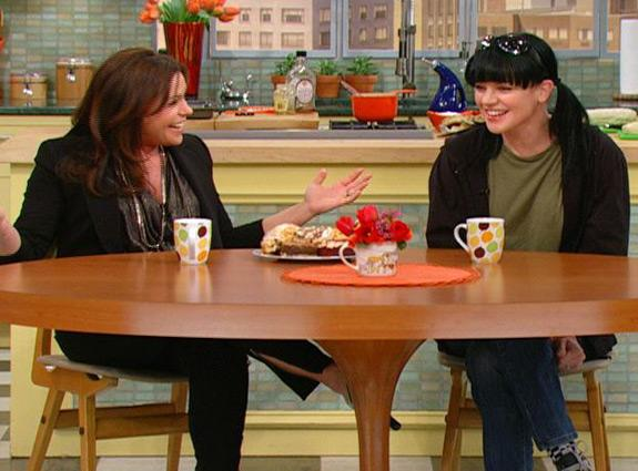 """""""NCIS"""" Pauley Perrette stopped by """"The Rachael Ray Show"""" to dish on her role on NCIS, her recent engagement and more!"""