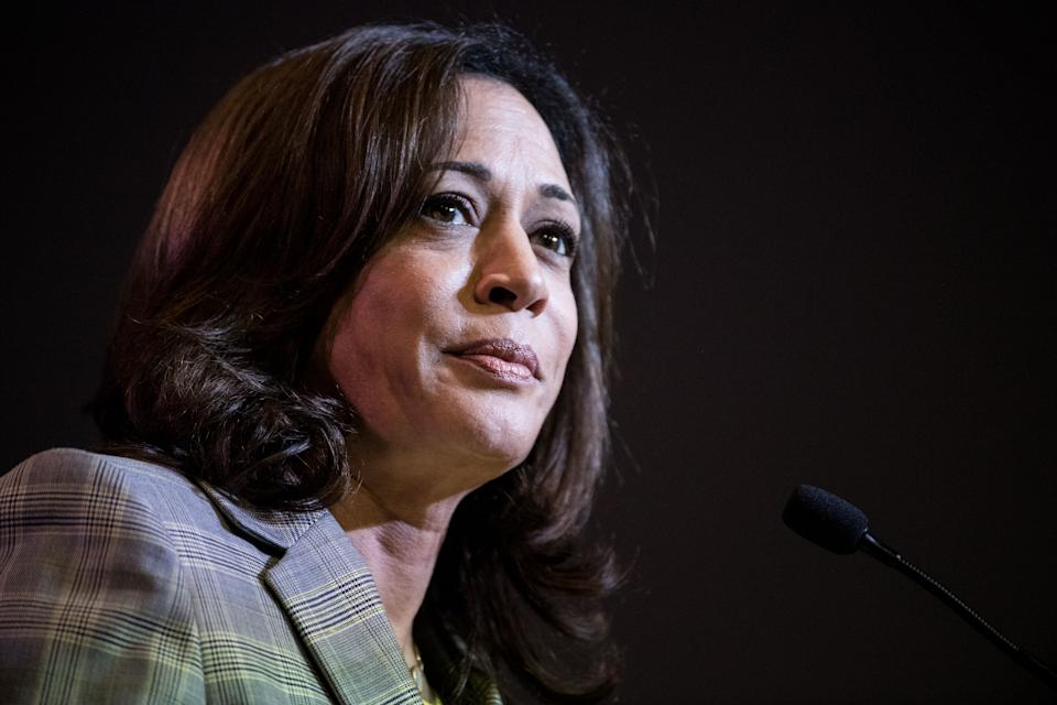 Sen. Kamala Harris (D-CA) addresses a crowd. (Photo by Sean Rayford/Getty Images)