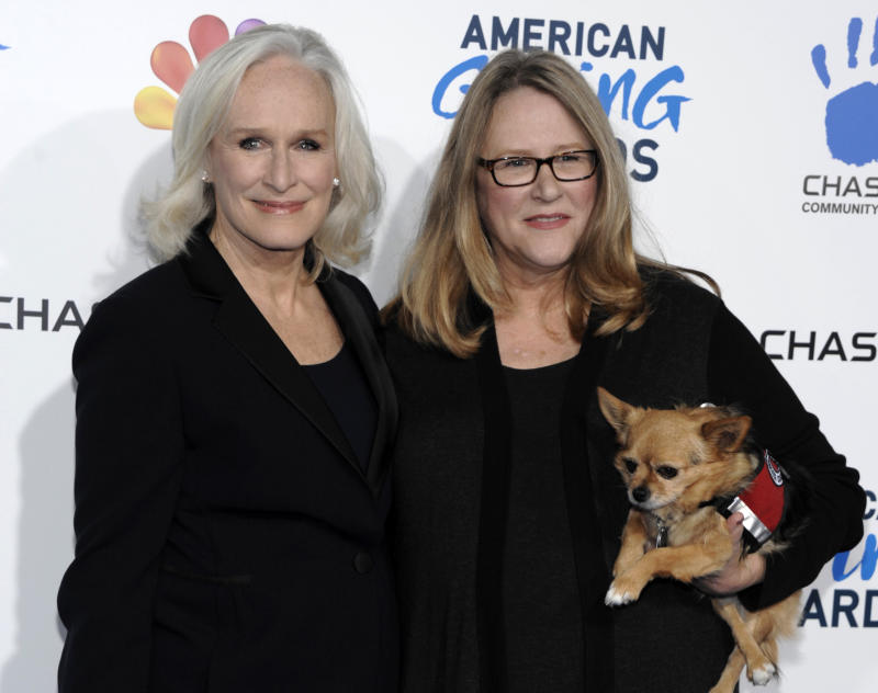 "FILE - This Dec. 7, 2012 file photo shows actress Glenn Close, left, and her sister Jessie Close at The American Giving Awards  in Pasadena, Calif. Grand Central Publishing announced Friday, April 26, 2013, that Jessie Close's ""Resilience"" is scheduled for release in January 2015. The book will be co-written by Pete Earley, author of the 2006 book ""Crazy,"" about his son's struggles. Glenn Close will contribute three ""vignettes"" about her sister and an epilogue.  (Photo by Dan Steinberg/Invision/AP, file)"