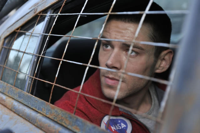 "Brian J. Smith as Gordon McClintock in the ""Defiance"" episode, ""I Just Wasn't Made for These Times."""