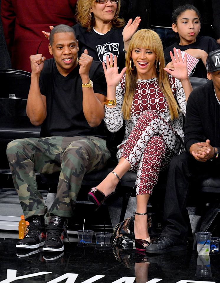 NEW YORK, NY - NOVEMBER 03:  Jay-Z and Beyonce Knowles attend Toronto Raptors vs Brooklyn Nets game at Barclays Center on November 3, 2012 in Brooklyn, New York.  (Photo by James Devaney/FilmMagic)