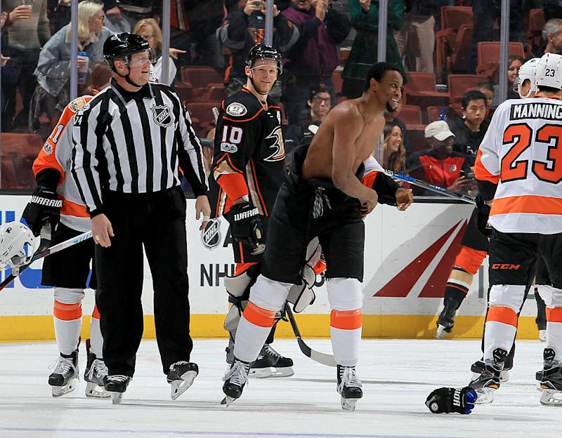 Kevin Bieksa Fight