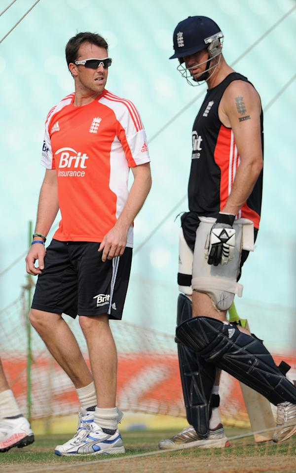 KOLKATA, INDIA - OCTOBER 28:  England captain Graeme Swann and Kevin Pietersen during a nets session at Eden Gardens on October 28, 2011 in Kolkata, India.  (Photo by Gareth Copley/Getty Images)
